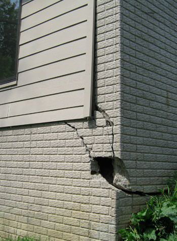 severe cracking of structural walls in Washington